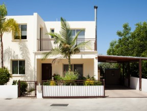 Paphos – Luxury Villas with Spectacular Surrounds